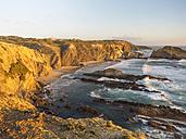 Portugal, Zambujeira do Mar, Praia dos Alteirinhos in thhe evening - LAF001682