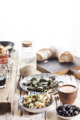 Tapas: grilled sepia, olives, Pimientos de padron, Mojo sauce and bread - SBDF003017
