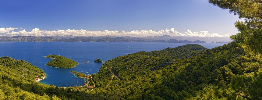 Croatia, Dalmatia, Dubrovnik-Neretva, Mljet Island, Harbour of Prozurska Luka, view to croatia onshore - GFF000633