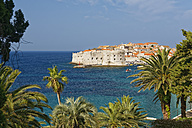 Croatia, Dubrovnik, Old town with city wall - GFF000655