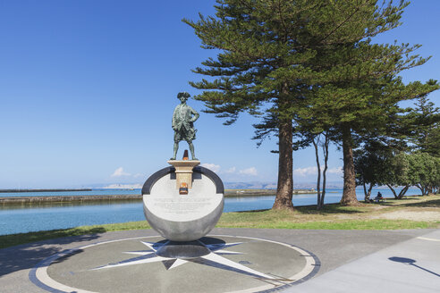 New Zealand, North Island, Gisborne, James Cook Statue, Monument - GW004811