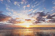 New Zealand, North Island, East Coast sunrise, Bay of Plenty, Waihi Beach at sunrise, South Pacific - GWF004817