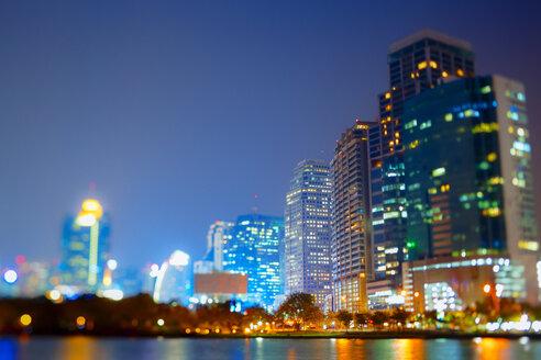 Thailand, Bangkok, view of skyline at twilight - GIOF001297