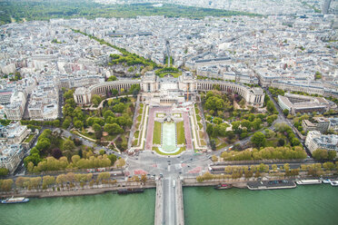 France, Paris, view to Trocadero with Seine River in the foreground - ZEDF000213