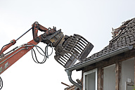 Demolishing of a house - KLRF000427