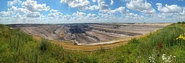 Germany, North Rhine-Westphalia, Grevenbroich, Garzweiler surface mine, Panorama - FRF000442
