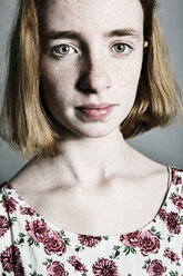 Strawberry blonde girl with freckles - JATF000870