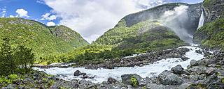 Norway, Sogn og Fjordane, Utladalen, Vettisfossen waterfall - STSF001055