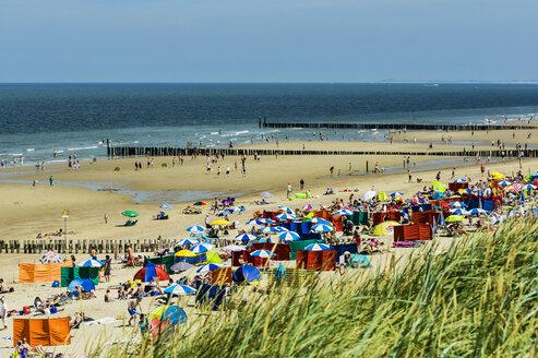 Netherlands, Zeeland, Walcheren, Domburg, View to beach - THAF001724