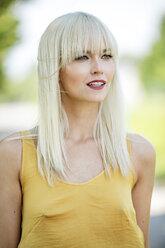 Portrait of blond woman - GDF001092