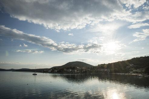 Croatia, Dalmatia, Slano, sunlight - CHPF000273