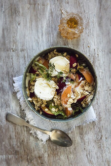 Hearty oat flakes bowl with fruits, goat cheese and thyme - EVGF003061