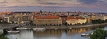 Czech Republic, Prague, Cityscape and Cechuv most bridge, Vltava river - GFF000719