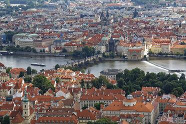 Czech Republic, Prague, Old town, Charles bridge and Vlatva river - GFF000728