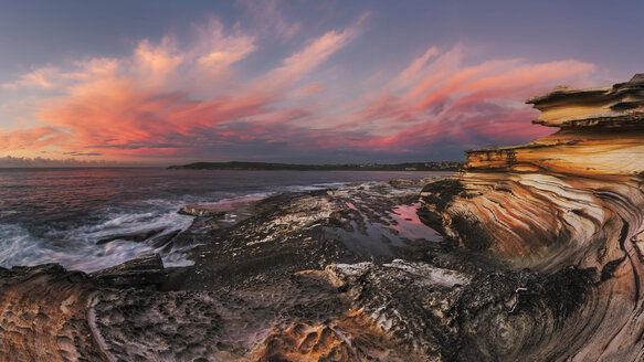 Australia, New South Wales, Maroubra, coast at sunset - GOAF000033