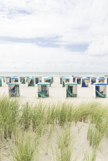 Netherlands, Zeeland, empty beach huts at low season - CHPF000283