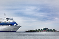 Finland, Helsinki, ferry in west harbour - CSTF001168