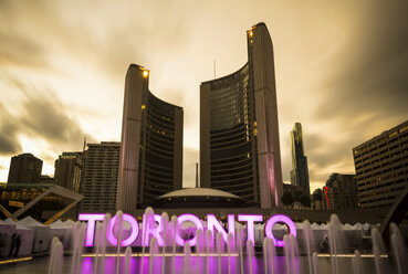 Canada, Ontario, Toronto, City Hall, fountain, sign, long exposure, moving clouds in the evening - FCF001038