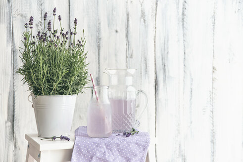 Homemade lavender lemonade with lemon - IPF000330