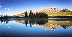 Canada, Jasper National Park, Jasper, Pyramid Mountain, Pyramid Lake in the morning - SMAF000565