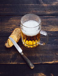 Obatzda on slice of bread and glass of beer - PPXF000023