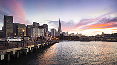 USA, California, San Francisco, Skyline, Pier 7 at sunset - EPF000148