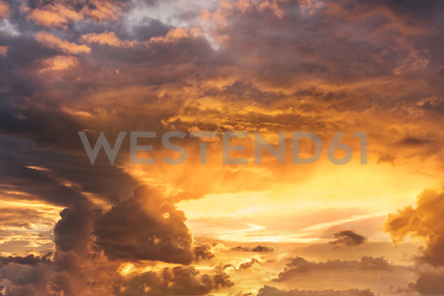 Dramatic sky - CSTF001204