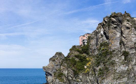 Italy, Cinque Terre, house, hillside - JLRF000080