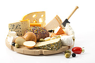 Cheese platter with different sorts of cheese - MAEF011962