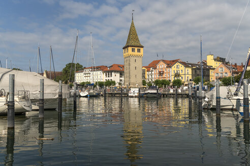 Germany, Bavaria, Lindau, old town, harbour and tower Mangenturm - PCF000267