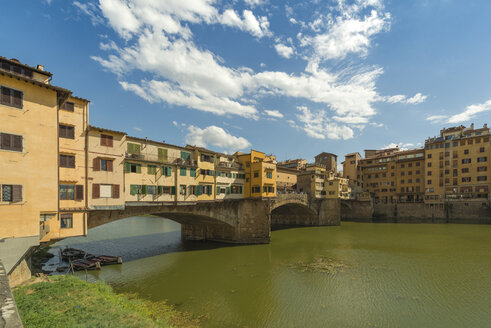 Italy, Florence, view to Ponte Vecchio and Arno River - OPF000120