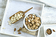 Whole and cracked almonds - ASF006010