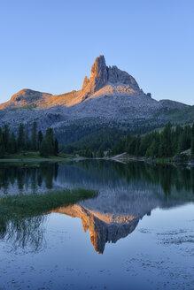 taly, Dolomites, Belluno, mountain Becco di Mezzodi reflecting in Federa Lake at sunset - RUEF001740