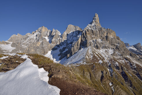 Italy, Trentino, Dolomites, Passo Rolle, mountain group Pale di San Martino with Cimon della Pala - RUEF001755