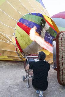 Hot air ballon is being prepared - ABZF01212