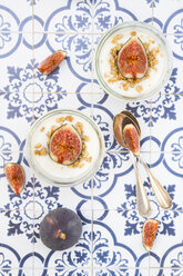 Greek yogurt with granola and figs - LVF05306