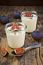 Greek yogurt with granola and figs - LVF05312