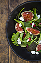 Mixed salad with goat cheese, pomegranate seeds and figs - LVF05318