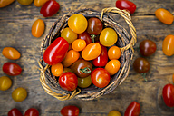 Basket of yellow and red mini tomatoes - LVF05326
