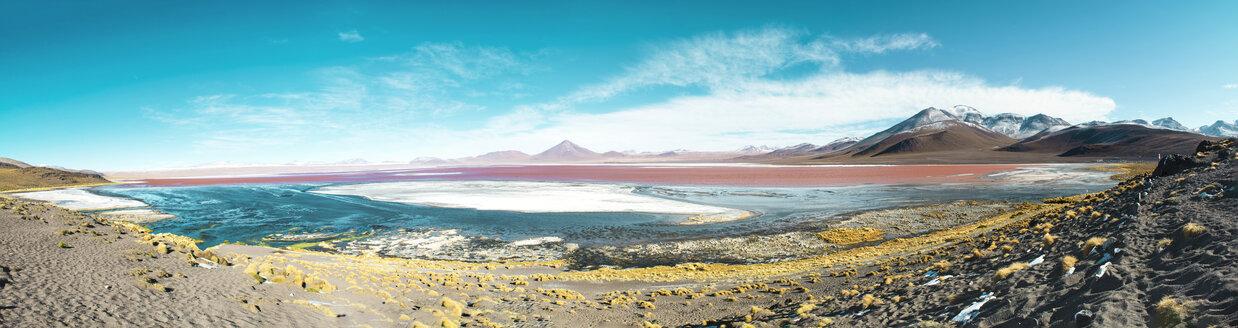 Bolivia, Eduardo Avaroa Andean Fauna National Reserve, Bolivia. Laguna Colorada - GEMF01056