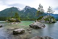 Germany, Bavaria, lake Hintersee - STSF01090