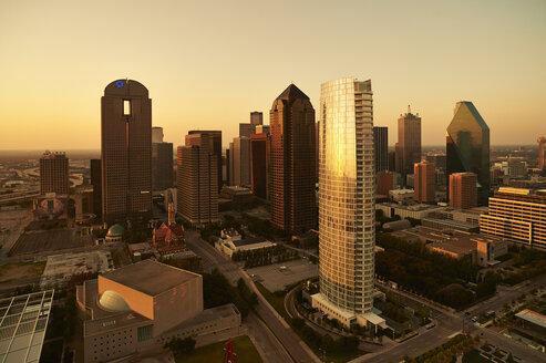 USA, Texas, Aerial photograph of the Dallas skyline at sunrise - BCD00064