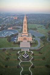 USA, Virginia, Aerial photograph of the George Washington Masonic Memorial in Alexandria - BCDF00115