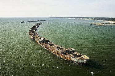 USA, Aerial photograph of sunken ships forming a bulkhead along the Eastern Shore of Virginia shoreline of the Chesapeake Bay - BCDF00145