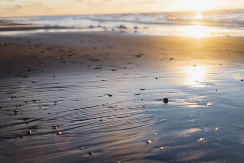 Tranquil beach in backlight - MJF02056