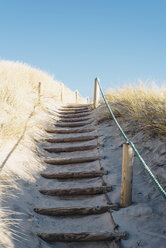 Denmark, Hirtshals, path through dunes - MJF02068