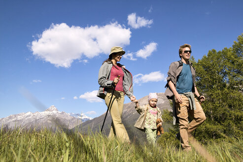 Happy family on a hiking trip - FSF00556
