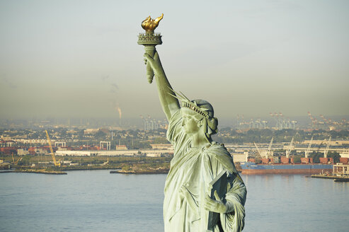 USA, New York State, New York City, View of Statue of Liberty, New York Harbor in the background - BCDF00179