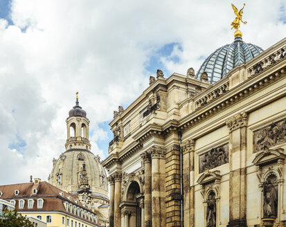 Germany, Dresden, Dresden Frauenkirche and the University of Visual Arts in the foreground - KRPF01849