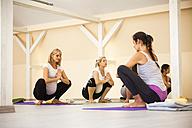 Prenatal yoga class - ZEDF00362